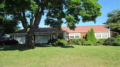 East Greenwich Single Family Home For Sale: 47 Wanton Shippee Rd