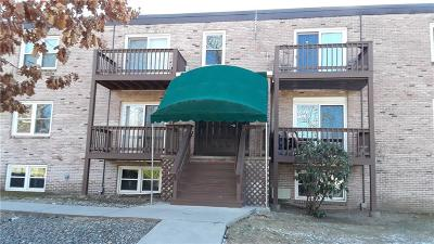 Smithfield Condo/Townhouse For Sale: 5 Apple Valley Pkwy, Unit#12 #12