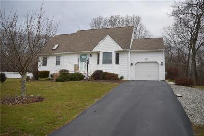 South Kingstown Single Family Home For Sale: 33 Misty Ct