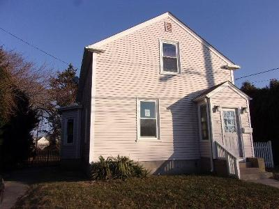 Newport Single Family Home For Sale: 8 Dexter St
