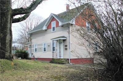Cranston Multi Family Home For Sale: 30 Chestnut Hill Av