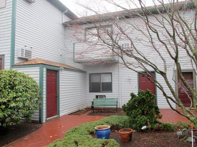 Bristol County Condo/Townhouse For Sale: 661 Metacom Av, Unit#6 #6