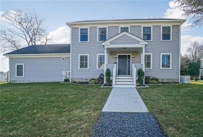 Middletown Single Family Home For Sale: 43 Evergreen Av