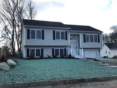 West Warwick Single Family Home For Sale: 2 Countryside Wy