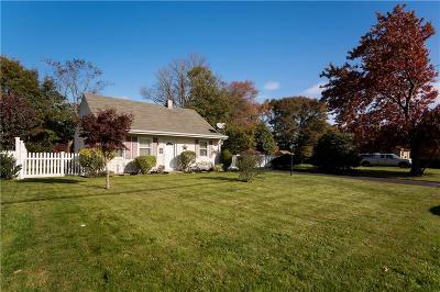 Bristol County Single Family Home For Sale: 55 Sowams Dr