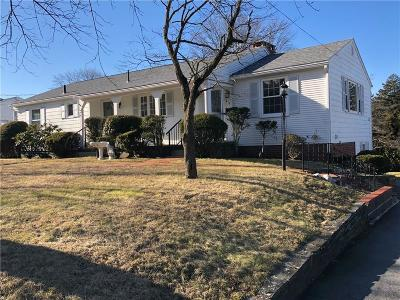 Cranston Single Family Home For Sale: 43 Ralls Dr