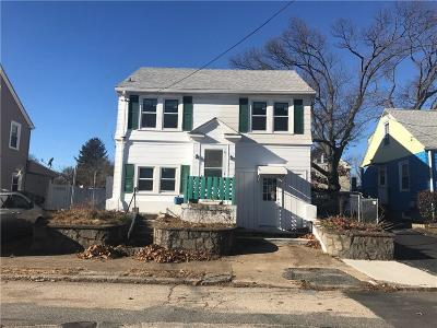 Cranston Single Family Home For Sale: 435 Doric Av