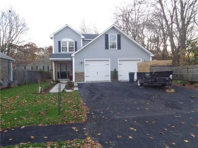 Warwick Single Family Home For Sale: 1154 Narragansett Pkwy