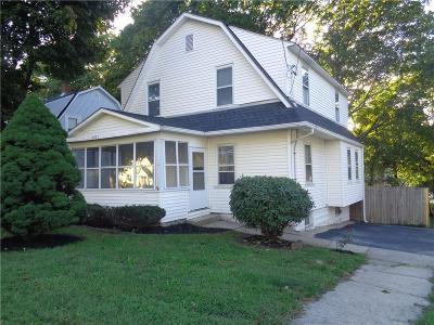 East Providence Single Family Home For Sale: 2477 Pawtucket Av