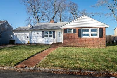 East Providence Single Family Home Act Und Contract: 27 Fisher St