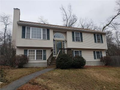 Smithfield RI Single Family Home For Sale: $305,000