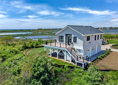 South Kingstown Single Family Home For Sale: 16 East Pointe Ct