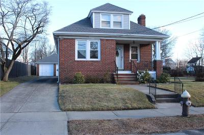 Cranston Single Family Home Act Und Contract: 60 Garden St