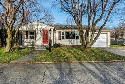 Cranston Single Family Home For Sale: 45 Bolton St