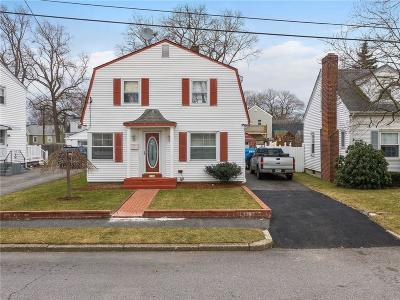 Pawtucket RI Single Family Home For Sale: $279,900