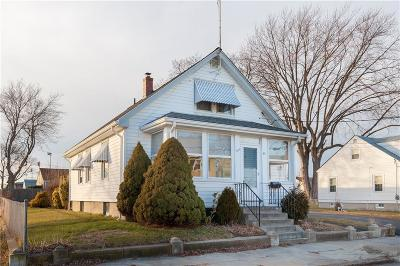 Pawtucket Single Family Home For Sale: 51 Rosemere Rd