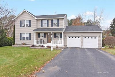 North Kingstown Single Family Home For Sale: 112 Hidden Lake Dr