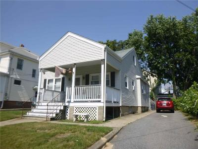 Pawtucket Single Family Home For Sale: 42 Prince St