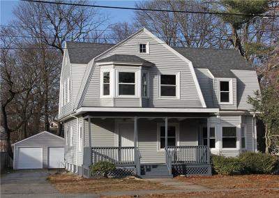 Taunton Single Family Home For Sale: 221 Winthrop St