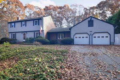 North Kingstown Single Family Home Act Und Contract: 177 Beacon Dr