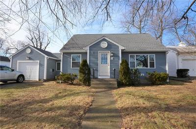 Single Family Home For Sale: 29 Fisher St