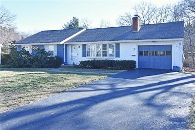 North Kingstown Single Family Home For Sale: 93 Fairfield Dr