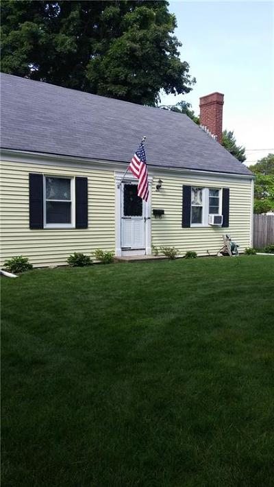 East Providence Single Family Home For Sale: 25 Algonquin Rd
