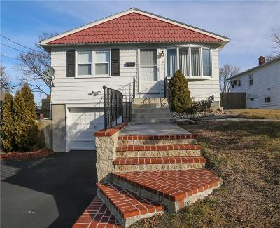 Cranston Single Family Home For Sale: 12 Freehold Av