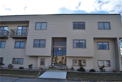 Providence County Condo/Townhouse For Sale: 196 Old River Rd, Unit#4s #4S