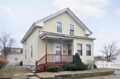 East Providence RI Single Family Home For Sale: $139,900