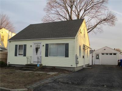 Pawtucket RI Single Family Home For Sale: $224,900