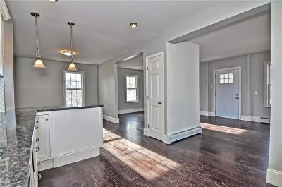 Lincoln RI Single Family Home For Sale: $379,900