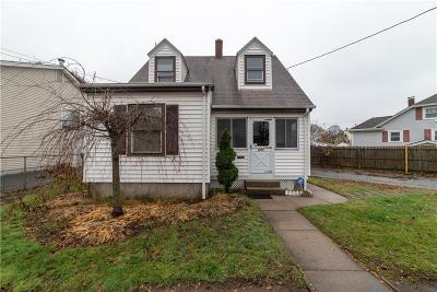 Pawtucket Single Family Home For Sale: 699 Cottage St