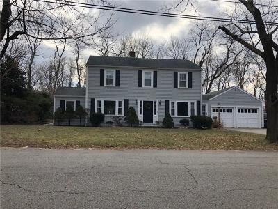 Barrington Single Family Home For Sale: 9 Surrey Rd