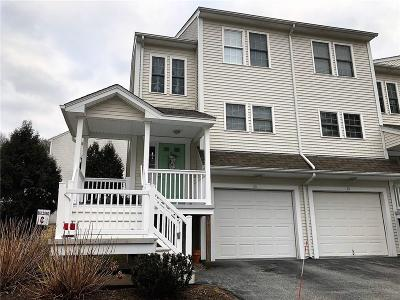 West Warwick Condo/Townhouse For Sale: 68 Red Brook Lane, Unit#68 #68
