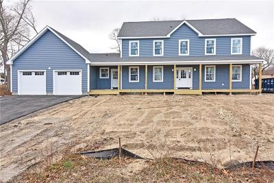 North Kingstown Single Family Home For Sale: 62 Middle St