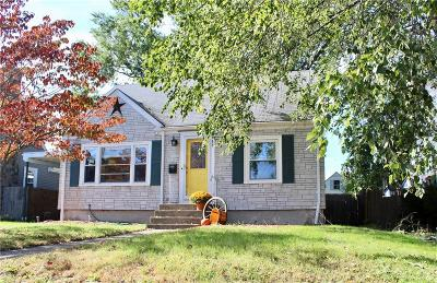 Pawtucket Single Family Home For Sale: 233 Mount Vernon Blvd