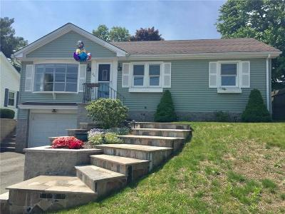 East Providence Single Family Home For Sale: 26 Heath St