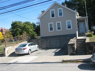Central Falls Single Family Home For Sale: 39 Washington St