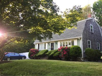 West Warwick Single Family Home For Sale: 85 Carolyn Dr