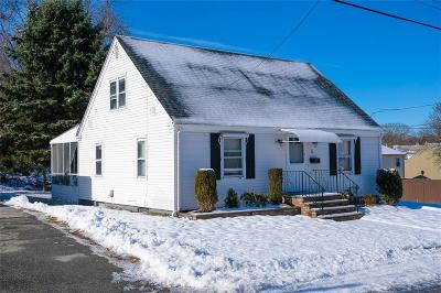 North Providence Single Family Home For Sale: 83 Andover St