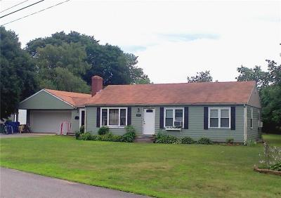 East Greenwich Single Family Home For Sale: 140 Overfield Rd