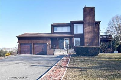 Westerly Single Family Home For Sale: 2 Essex Dr