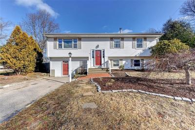 North Kingstown Single Family Home For Sale: 61 Virginia Av