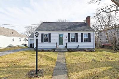Somerset MA Single Family Home For Sale: $279,900