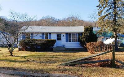 South Kingstown Single Family Home For Sale: 22 Riverside Dr