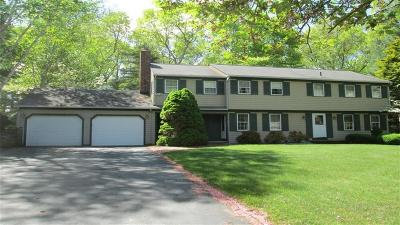 East Greenwich Single Family Home For Sale: 60 Walnut Dr