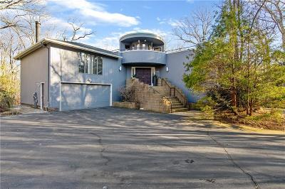 East Greenwich Single Family Home For Sale: 150 Adirondack Dr