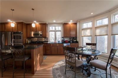 Portsmouth Single Family Home For Sale: 405 West Main Rd