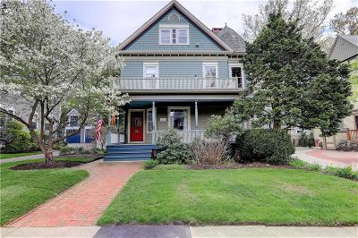 Providence County Single Family Home For Sale: 251 Olney St